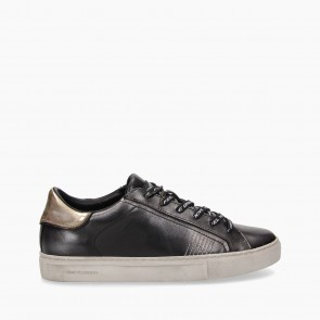 Sneakers Low Top Essential